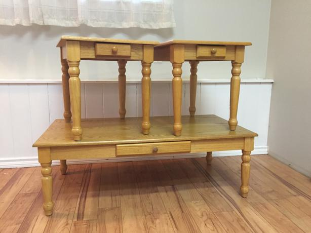 Solid wood coffee table and matching side tables shawnigan lake cowichan Matching coffee table and end tables