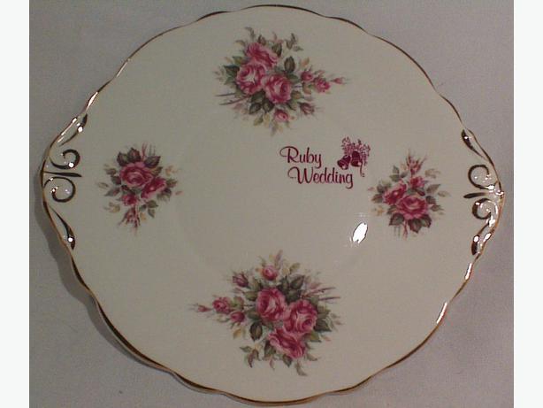Ruby anniversary cake plate