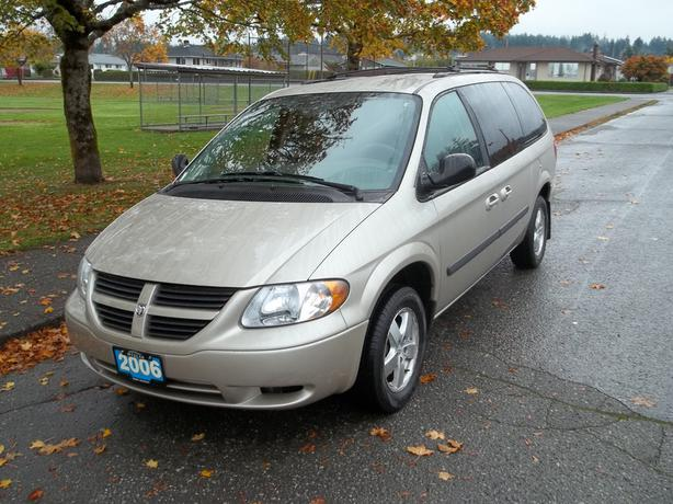 2006 dodge grand caravan full stow and go outside comox valley campbell river. Black Bedroom Furniture Sets. Home Design Ideas