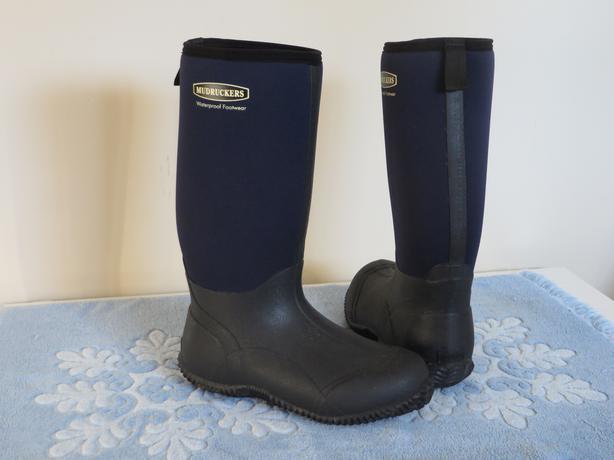 mudrucker barn boots sooke