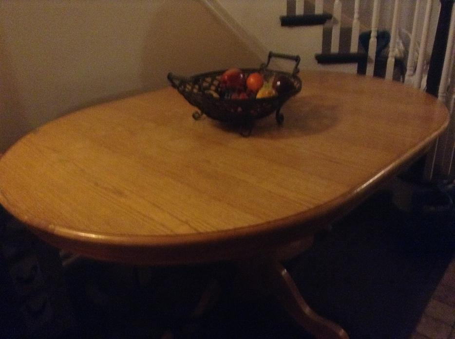 kitchen dining room oak oval pedastal table with lighting  : 49846983934 from usedottawa.com size 934 x 697 jpeg 59kB