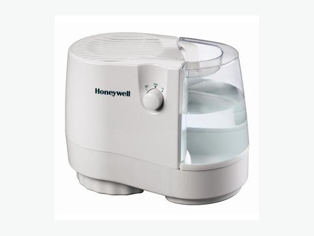 Honeywell 2.0 Gallon Cool Moisture Humidifier - New No Box