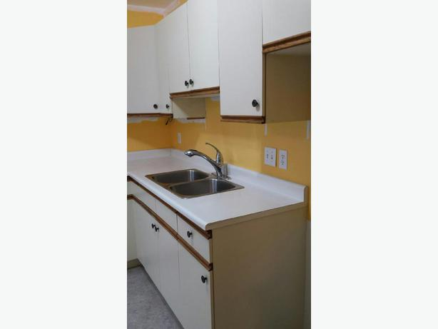 Kitchen Cabinets Complete Set Parksville Parksville Qualicum Beach Mobile