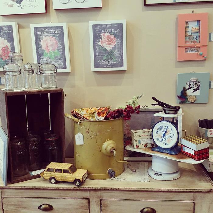 Vintage home decorartkitchenfurnitureaccessories for Furniture and home decor hamilton county