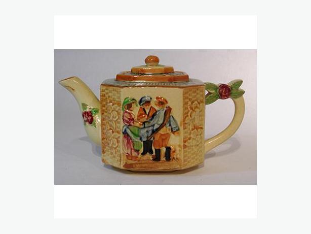 Japanese Majolica Teapot