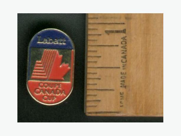 Labatt's Canada Cup Lapel Pin Gold