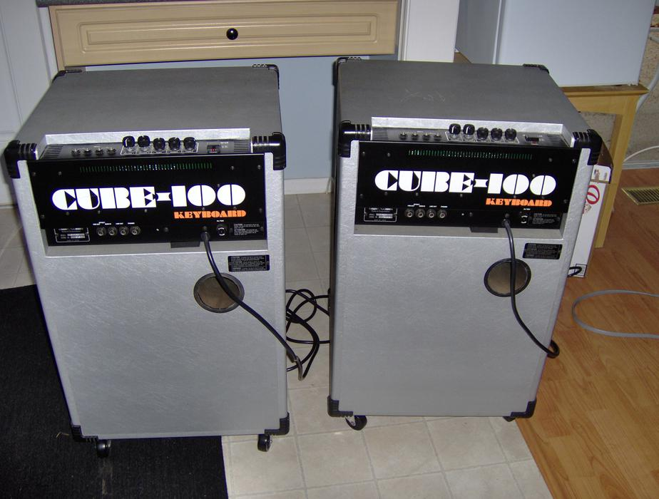 roland cube 100 keyboard amps 250 one left new price north saanich sidney victoria mobile. Black Bedroom Furniture Sets. Home Design Ideas