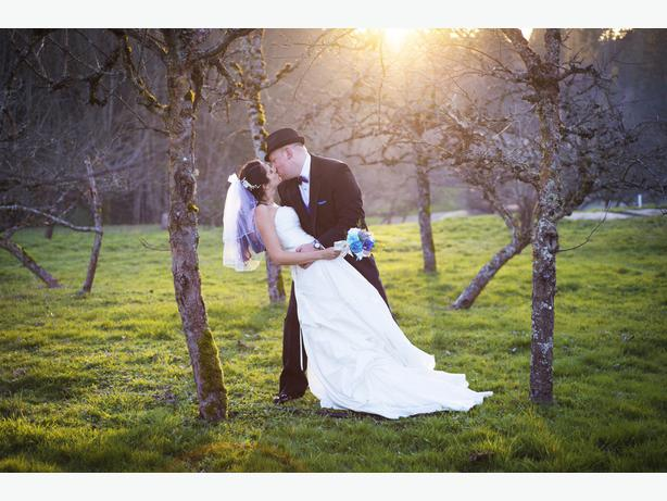 Wedding photographer by the hour victoria city for Wedding photographer for 2 hours