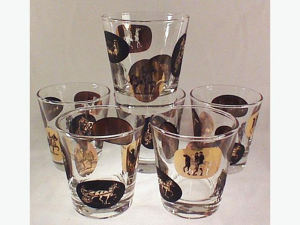 Retro horse-themed old-fashioned glasses