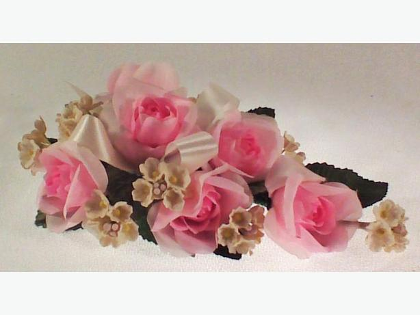 Pink fabric corsage