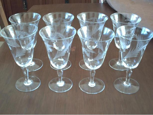 8 wine glasses