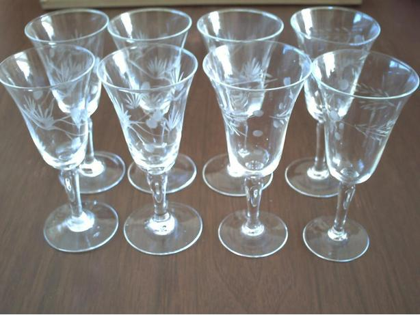 8 dessert wine glasses
