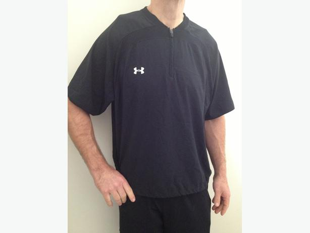 Under Armor XL baseball warmup top