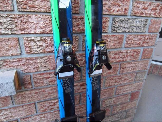 Salomon Triaxial Downhill Skis