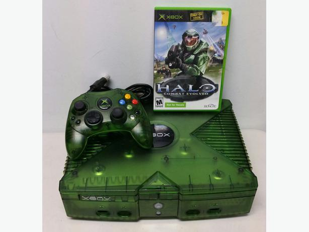 green limited edition original xbox console bundle saanich victoria. Black Bedroom Furniture Sets. Home Design Ideas