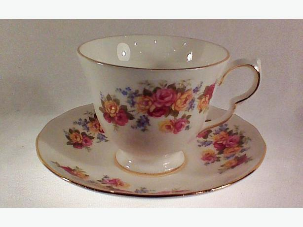 Royal Vale teacup & saucer