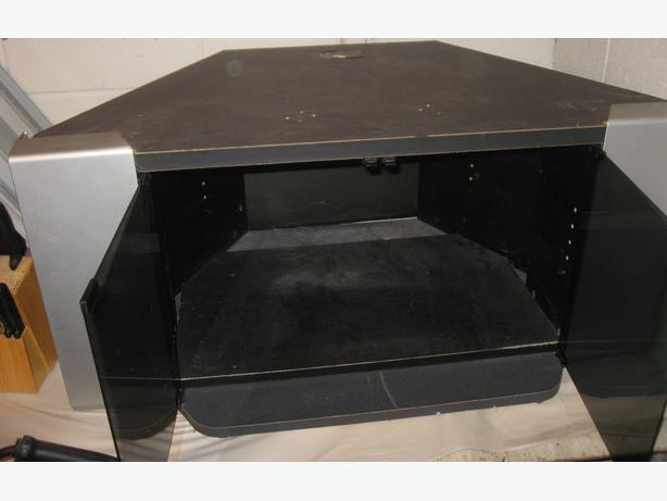 TV STAND WITH GLASS DOORS 38L X 19D X 18H