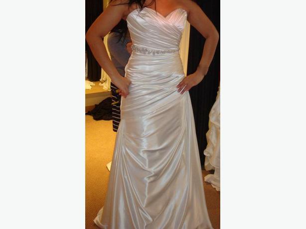 New Alfred Sung Wedding Dress Style 6836 Victoria City Victoria