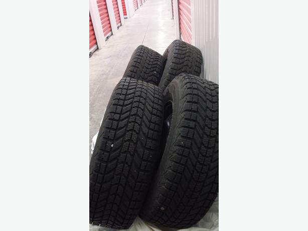 14 firestone winterforce snow tires and steel wheels central nanaimo nanaimo mobile. Black Bedroom Furniture Sets. Home Design Ideas
