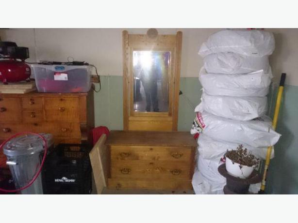 Elm Hotel Dresser