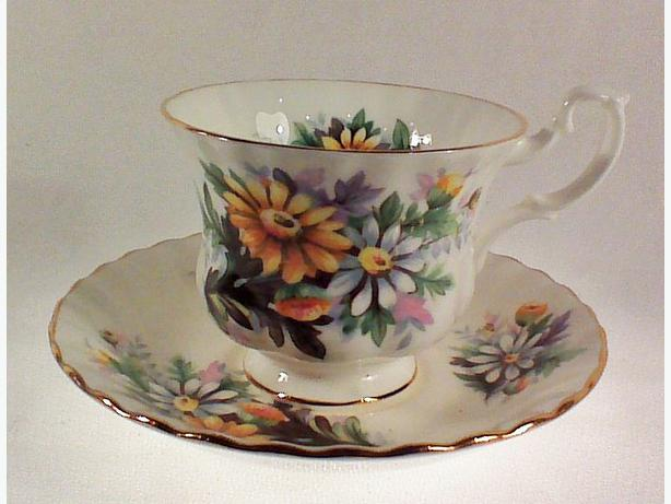 Royal Albert teacup & saucer
