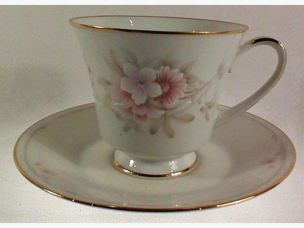 Noritake Shrewsbury teacup and saucr
