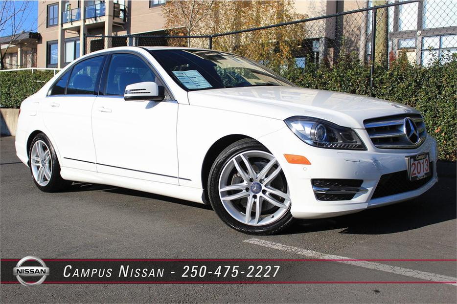 2013 mercedes benz c class c300 4matic outside nanaimo for Mercedes benz emergency number