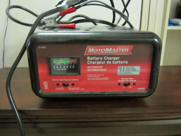 motomaster battery charger 011 1503 2 manual