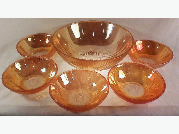 Jeannette Glass Iris & Herringbone dessert berry set