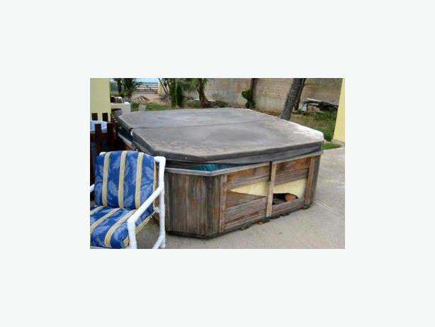 Hot Tub Removal and Disposal Service - Nanaimo Parksville Qualicum Nanoose