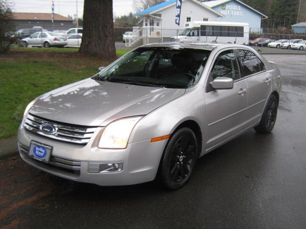 2007 Ford Fusion SEL leather Nav  **AWD**  reduced