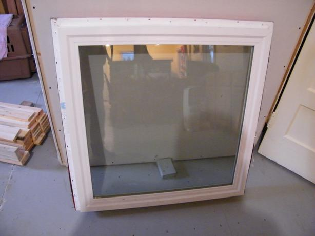 3'x3' vinyl Milgard window (hardly ever looked through at all)