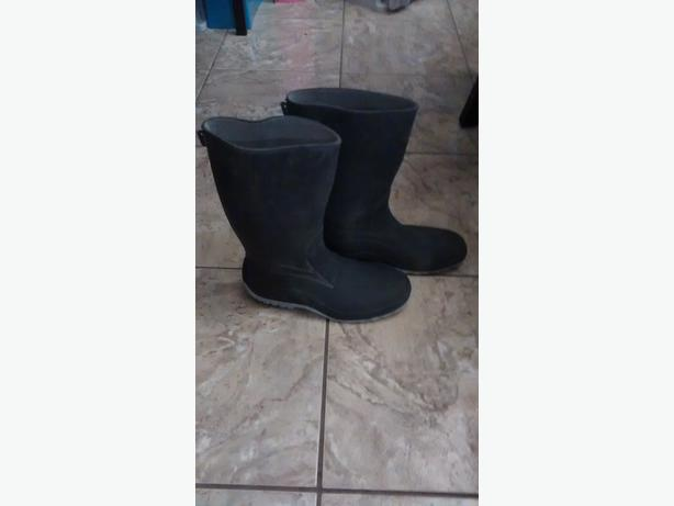 Ladies Rubber Boots - Size 8