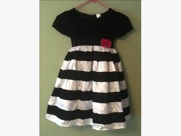 Marc & Maddie black and white dress with crushed black velvet Size 5