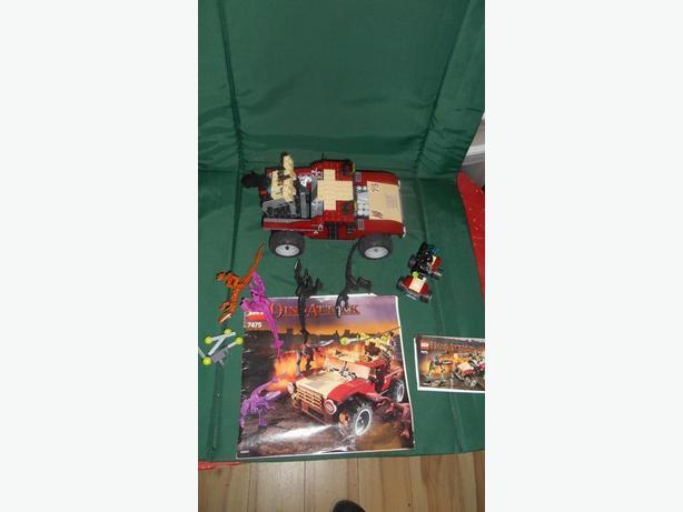 Lego 2 Dino Attack vs mutant lizard kits