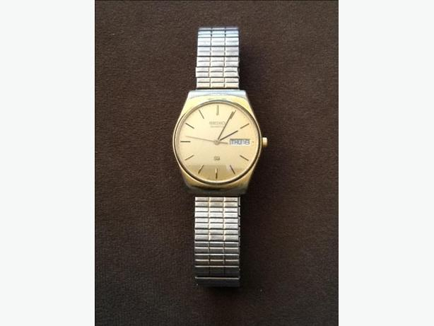 Vintage Men's Gold Seiko 4 Jewel Quartz SQ Day Date