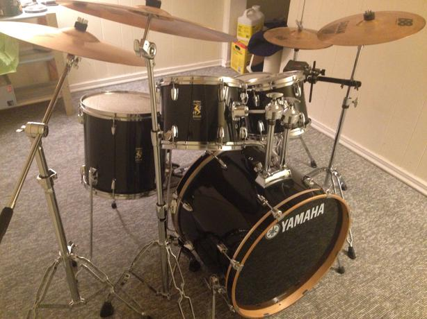 yamaha rydeen 5 piece drum set w cymbals outside victoria victoria. Black Bedroom Furniture Sets. Home Design Ideas