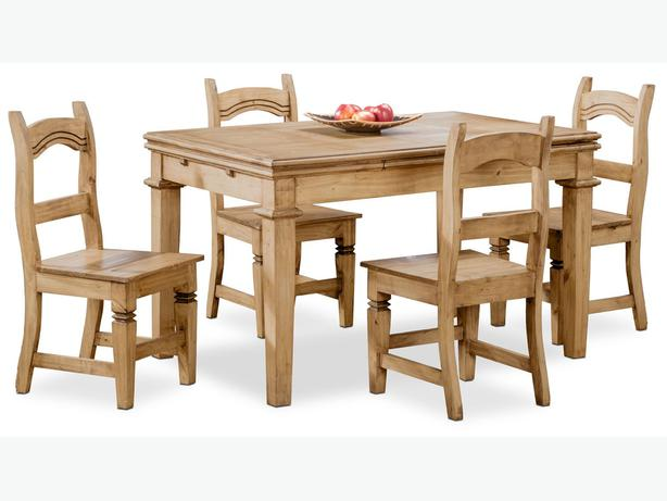 Solid Pine Dinging Table and Four chairs