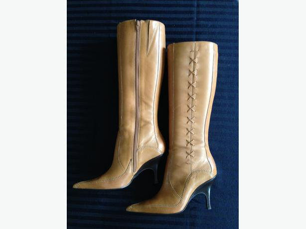 Bronx Leather Boots Size 6 1/2