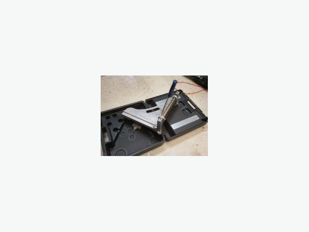 Deluxe tile cutter