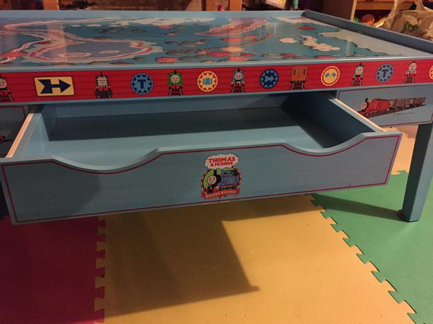 Price Reduced!!!!  Thomas the Train - Play Table