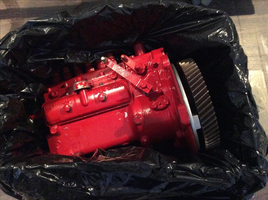 Ford Lehman 120 Hp Diesel Injector Pump Outside Metro