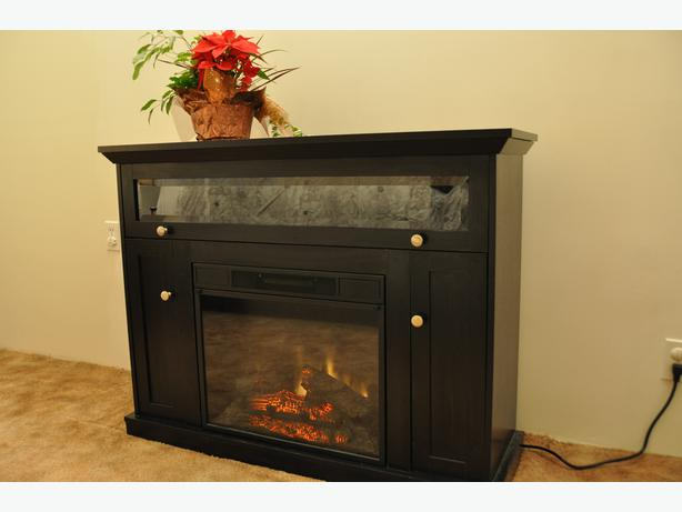 Electric Fireplace Twin Star model 23EF010GAA Saanich, Victoria