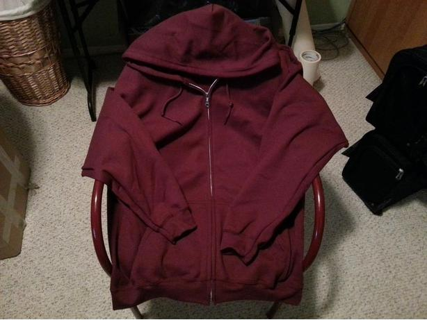 New Maroon Hoodie with Zipper XL