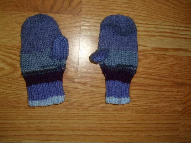 Many Knitted Child Mittens - Excellent Condition! $1 each