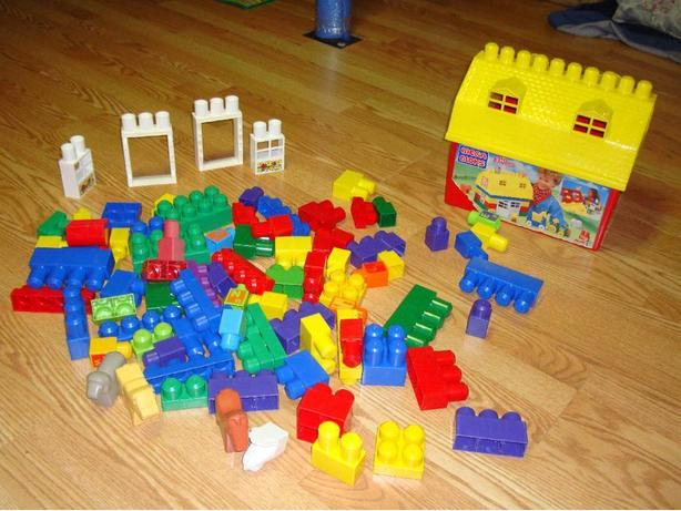Like New Mega Bloks Set with Storage Barn 84 Pieces! $30