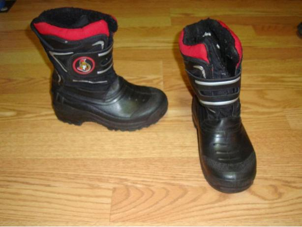 Like New Senators Winter Boots Youth Size 2! $8