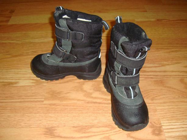Like New Winter Boots Size 10 Toddler - $8!