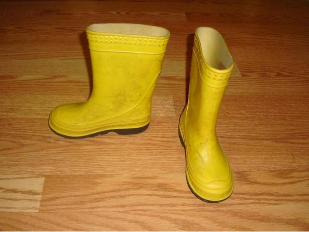 Like New Rainboots Yellow Toddler Size 9 - Excellent Condition! $6