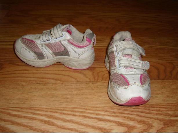Runners White and Pink Toddler Size 9 - $5